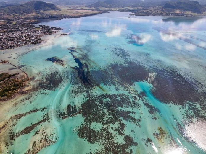 Leaked oil from the wrecked ship near Mauritius