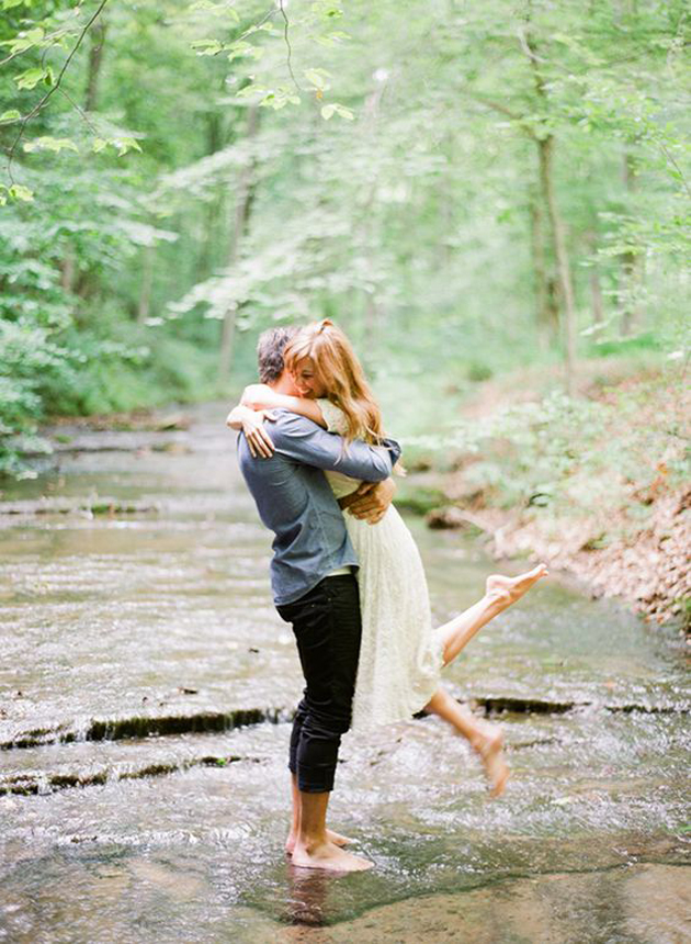 35 Most Romantic Couples Photography In Rain | Great Inspire