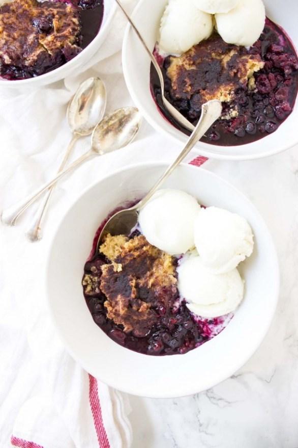 slow cooker mixed berry paleo cobbler