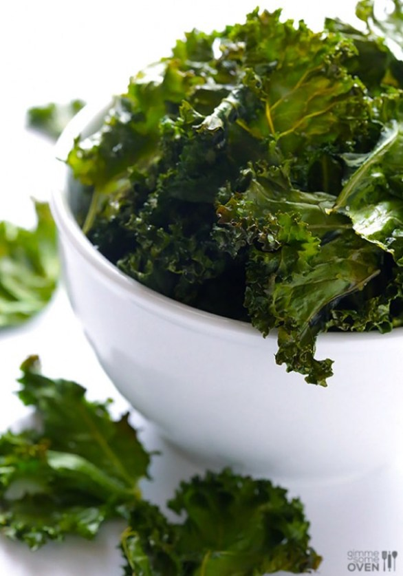 Detox Recipes: Sea Salt and Vinegar Kale Chips