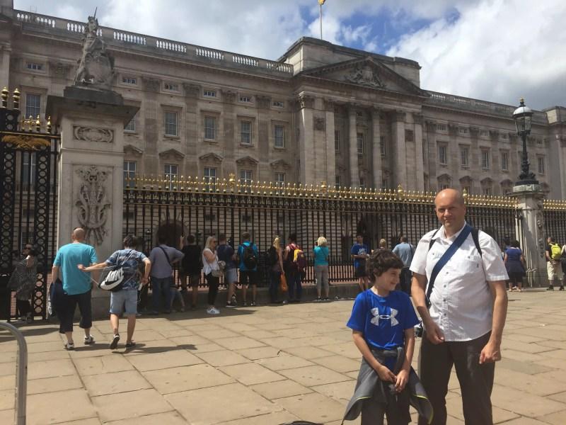 Kasm & Bruce - Buckingham palace