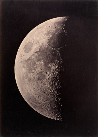 MM112193_Photo_of_Moon_000050034c