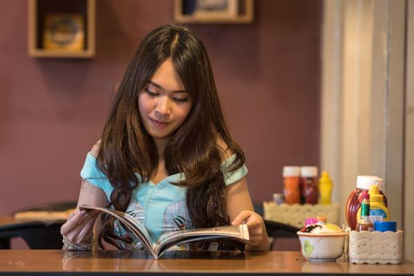 Bachelor of Applied Management-Waikato Institute of Technology(WINTEC)-a-girl-reading-a-book-optimized-f