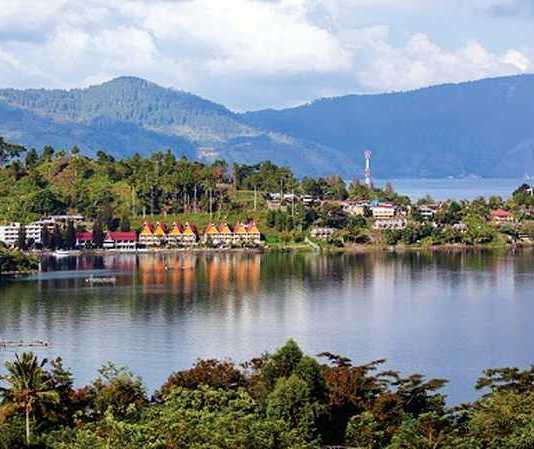 toba lake tourist attraction in north sumatra