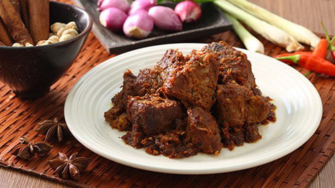 Rendang kuliner indonesia