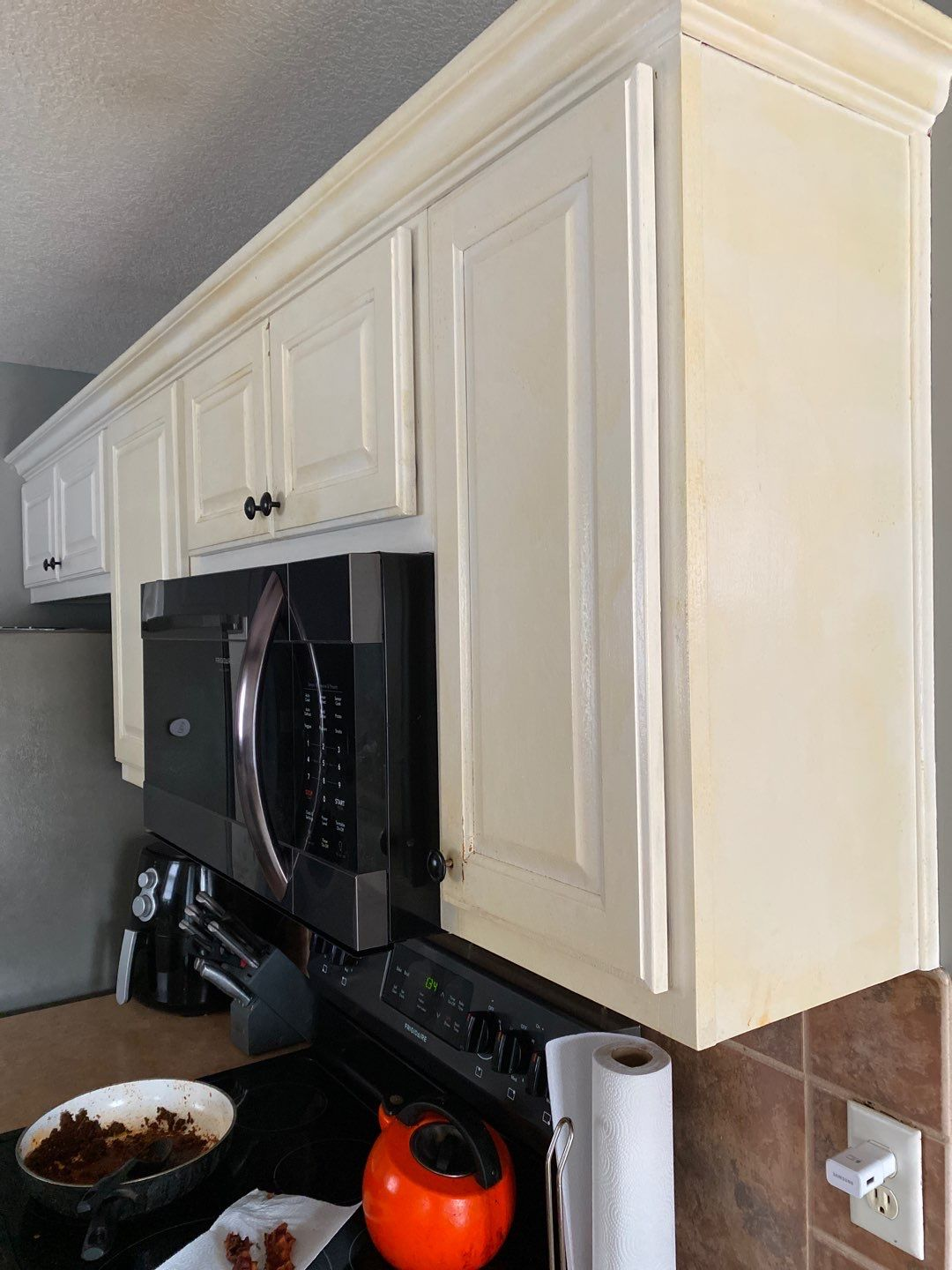 2 Mar 16 2020 01 34pm uUBb - Why it's expensive to paint cabinets - Overland Park