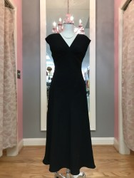 $25 Sz 4 Black Gown