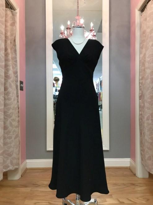 $25 Sz 4 Black Gown