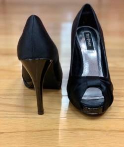 $25 size 5.5 WHBM satin heel