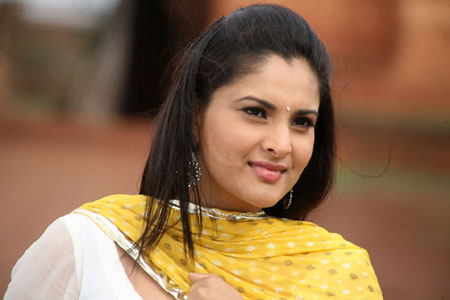 Sedition case filed against actor Ramya for 'Pakistan is not hell' remark