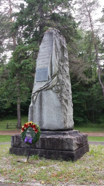 Chatsworth cenotaph in Memorial Park