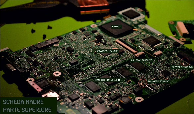 Ecco la parte superiore della scheda madre, quella che si intravede alla rimozione della parte sotto la tastiera dello chassis del Netbook.
