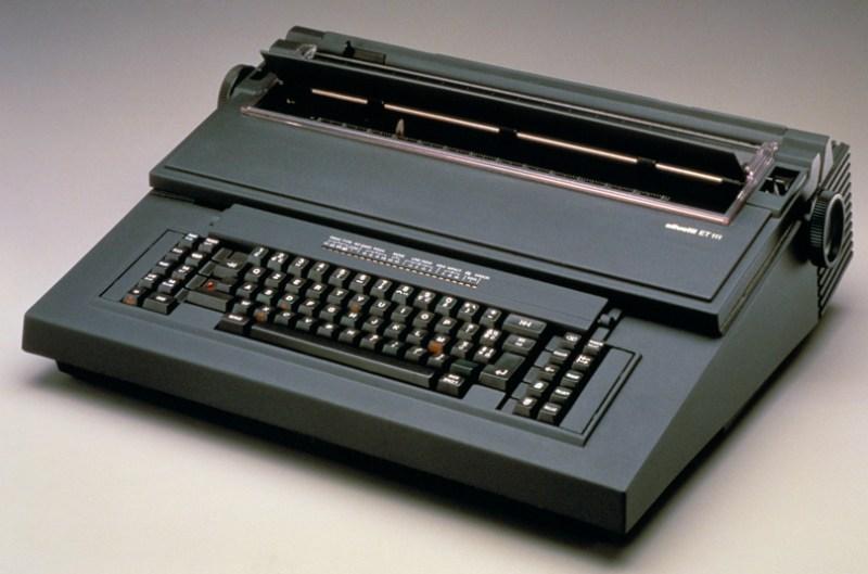 1983_Olivetti_ET111_001
