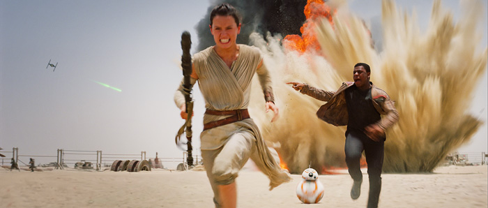 Rey & Finn Running - Star Wars: The Force Awakens