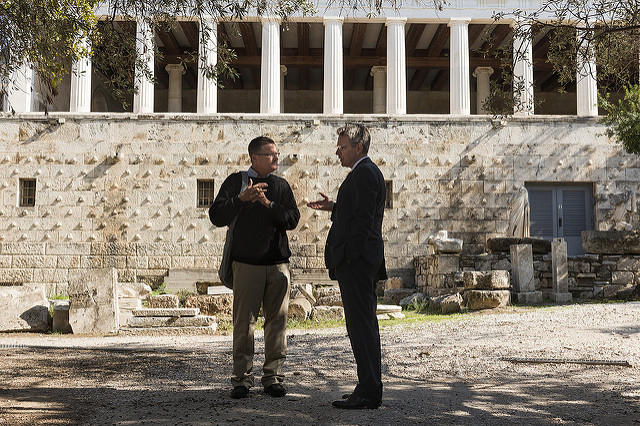 Democracy Never Gets Old: U.S. Ambassador's @GeoffPyatt symbolic visit in #Athenian Stoa before #USElections2016