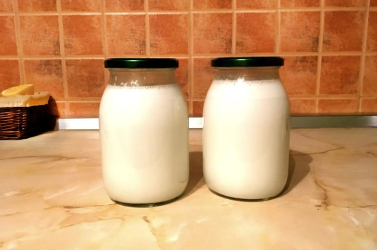 All the benefits of making coconut milk at home