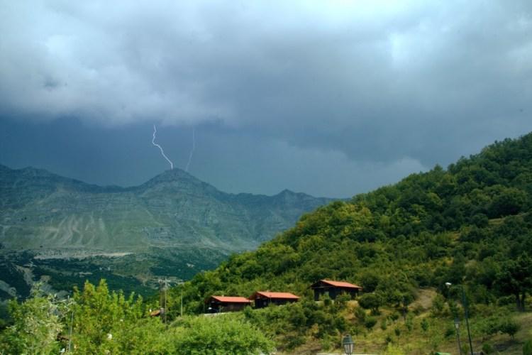 storm-over-tzoumerka