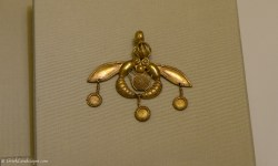 Bee pendant from Malia, Crete