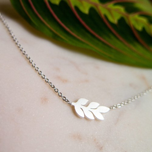 Branch with leaves necklace silver