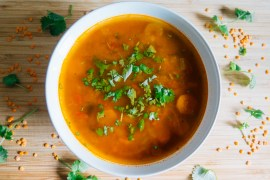 Vegan Red Lentil Carrot Soup with carrot foliage - carrot green - Green Amsterdam