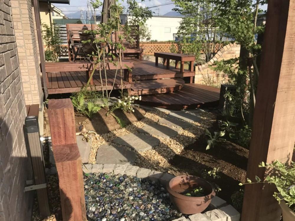 ウッドデッキの今昔; 【ガーデンデザイナーの記録】4