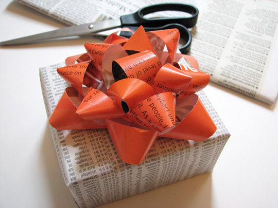 https://i1.wp.com/green.thefuntimesguide.com/images/blogs/recycled-gift-bow.jpg