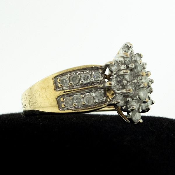 Beautiful 14k Gold & Genuine Diamond Estate Ring (Size 7) - Green Acres Antiques Marietta OH