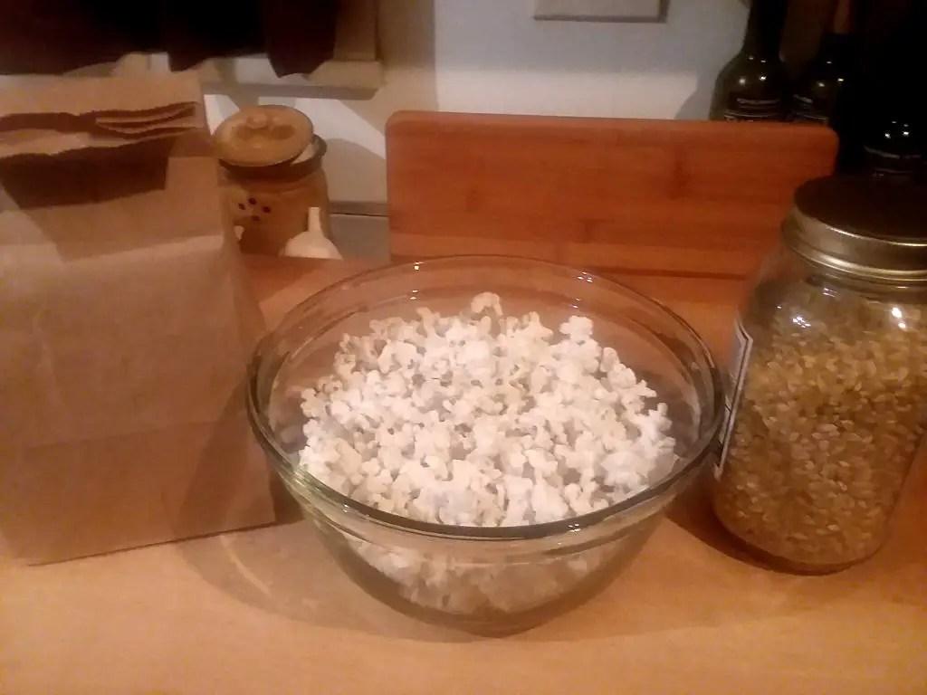 making zero waste microwave popcorn