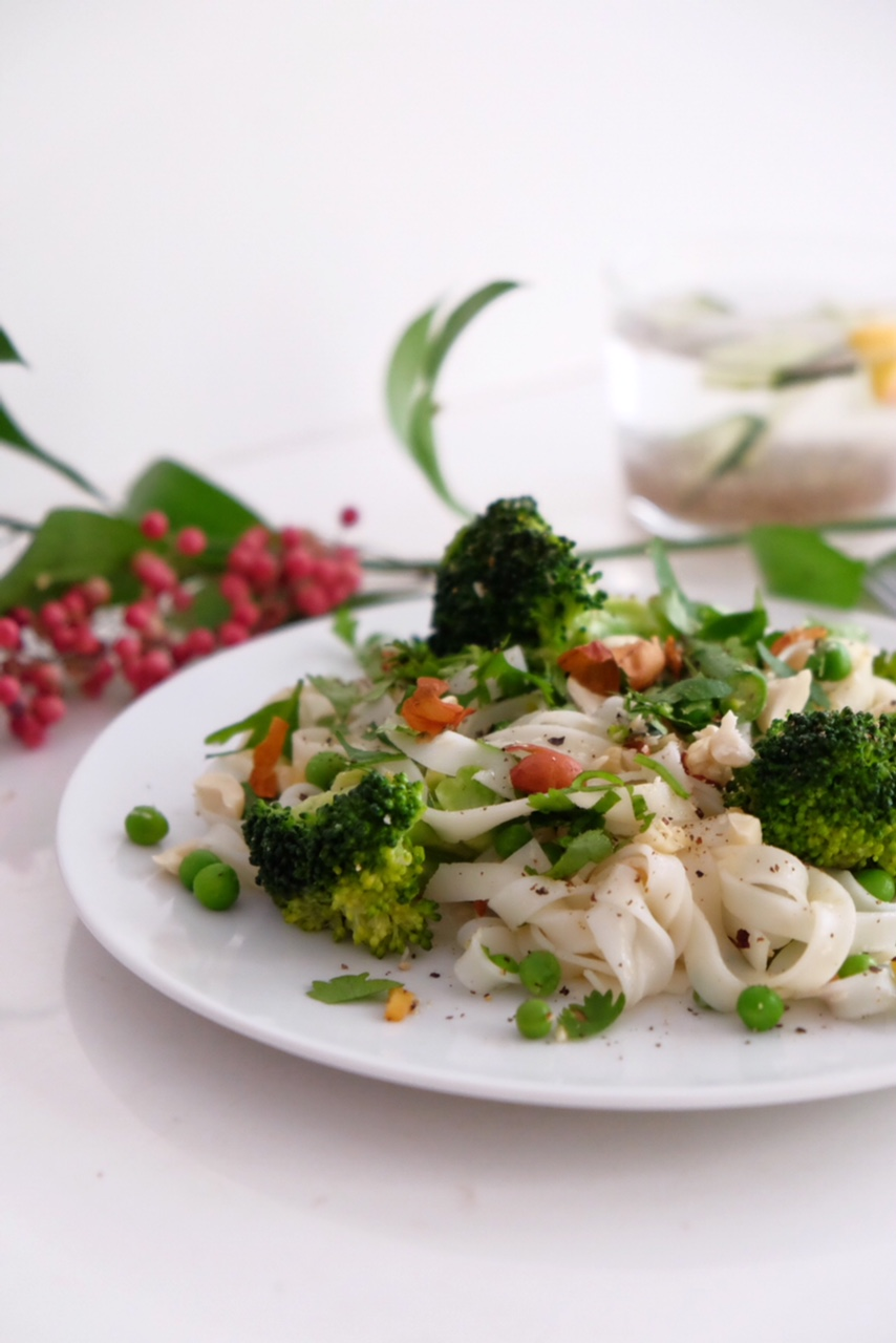 Rice pasta with coconut milk and vegetables
