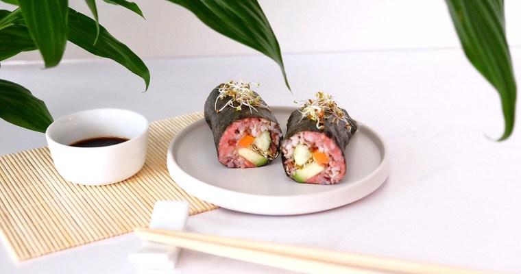 Sandwich façon sushi au houmous de betterave.