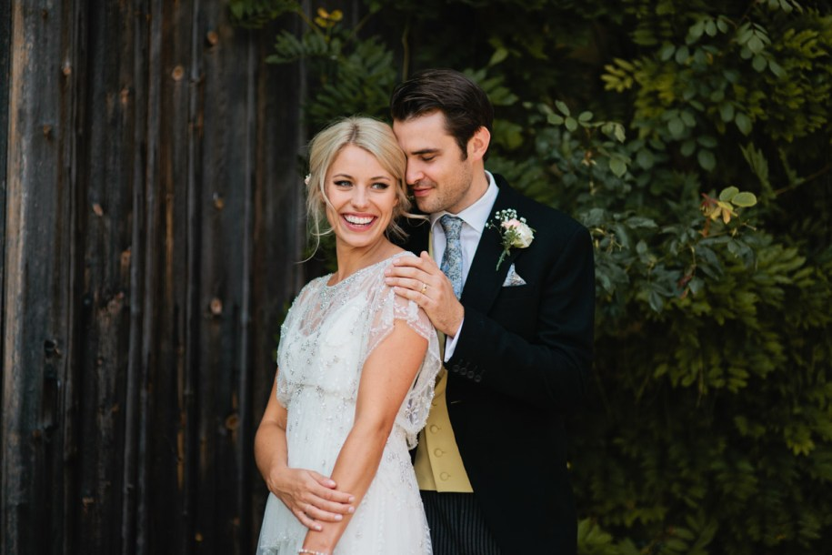 bride wearing Jenny Packham wedding dress by Oxfordshire wedding photographer