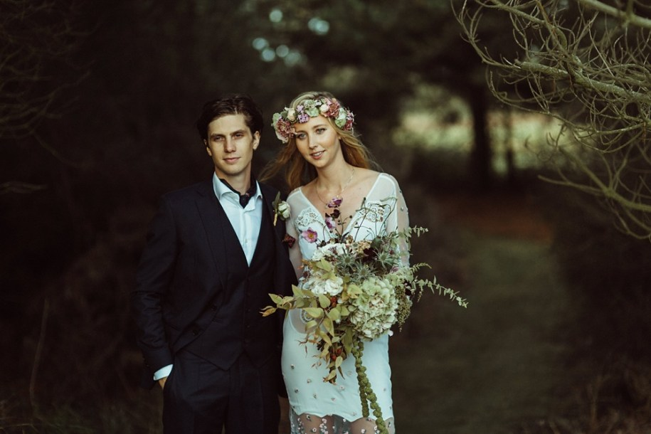 bride and groom photo shoot in New Forest