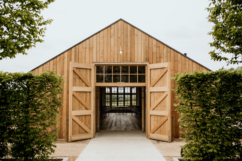 Cotswolds wedding photographers Hyde House Barn