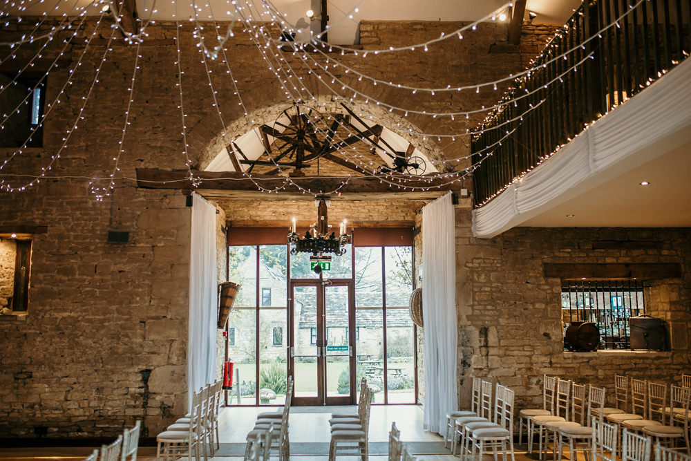 The Great Thythe Barn Cotswolds wedding photographers