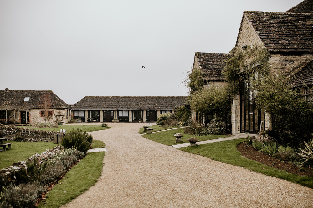 Cotswolds wedding venue The Great Thythe Barn