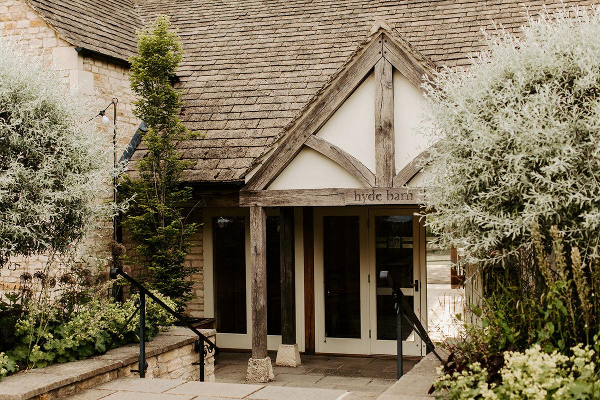 entrance for hyde house venue cotswolds