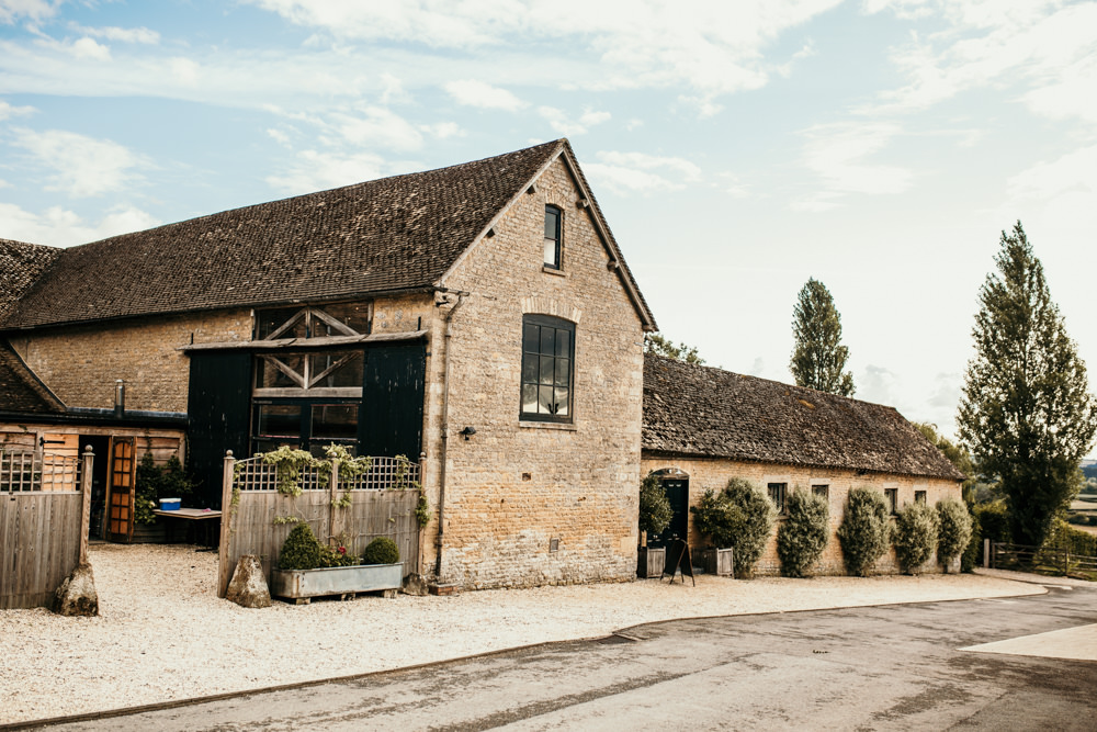 outside Merriscourt Barn Cotswolds wedding venue Chipping Norton by Cotswolds wedding photographers