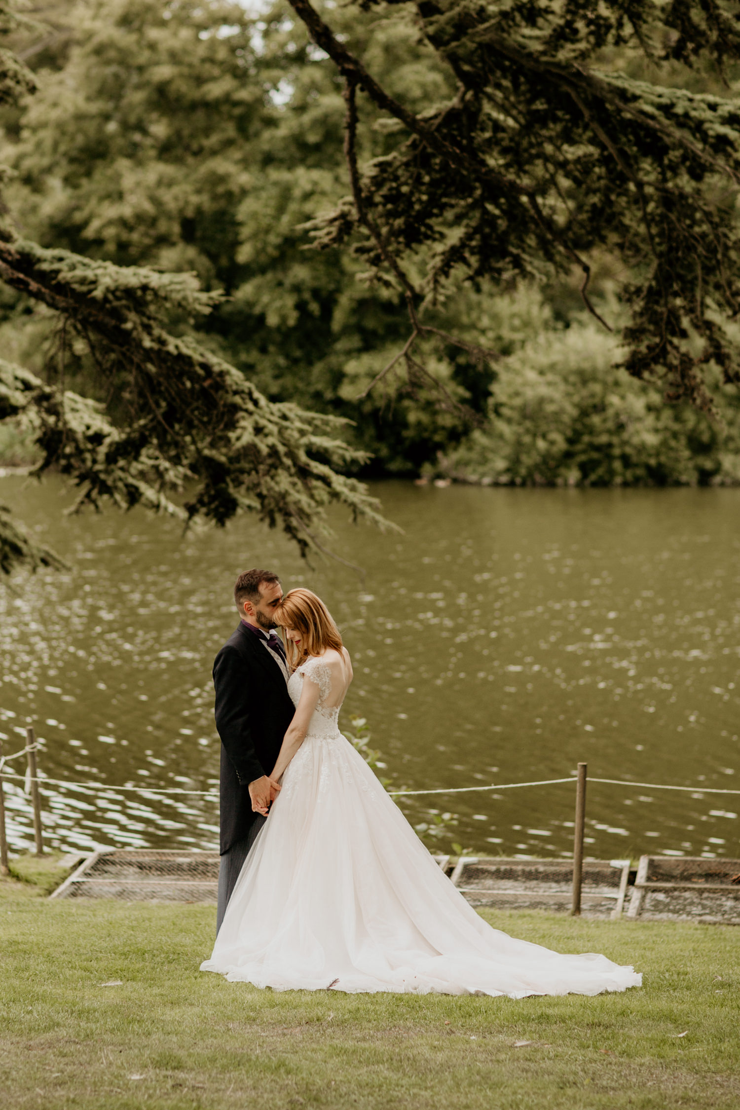 bride and groom portraits in the Cotswolds countryside