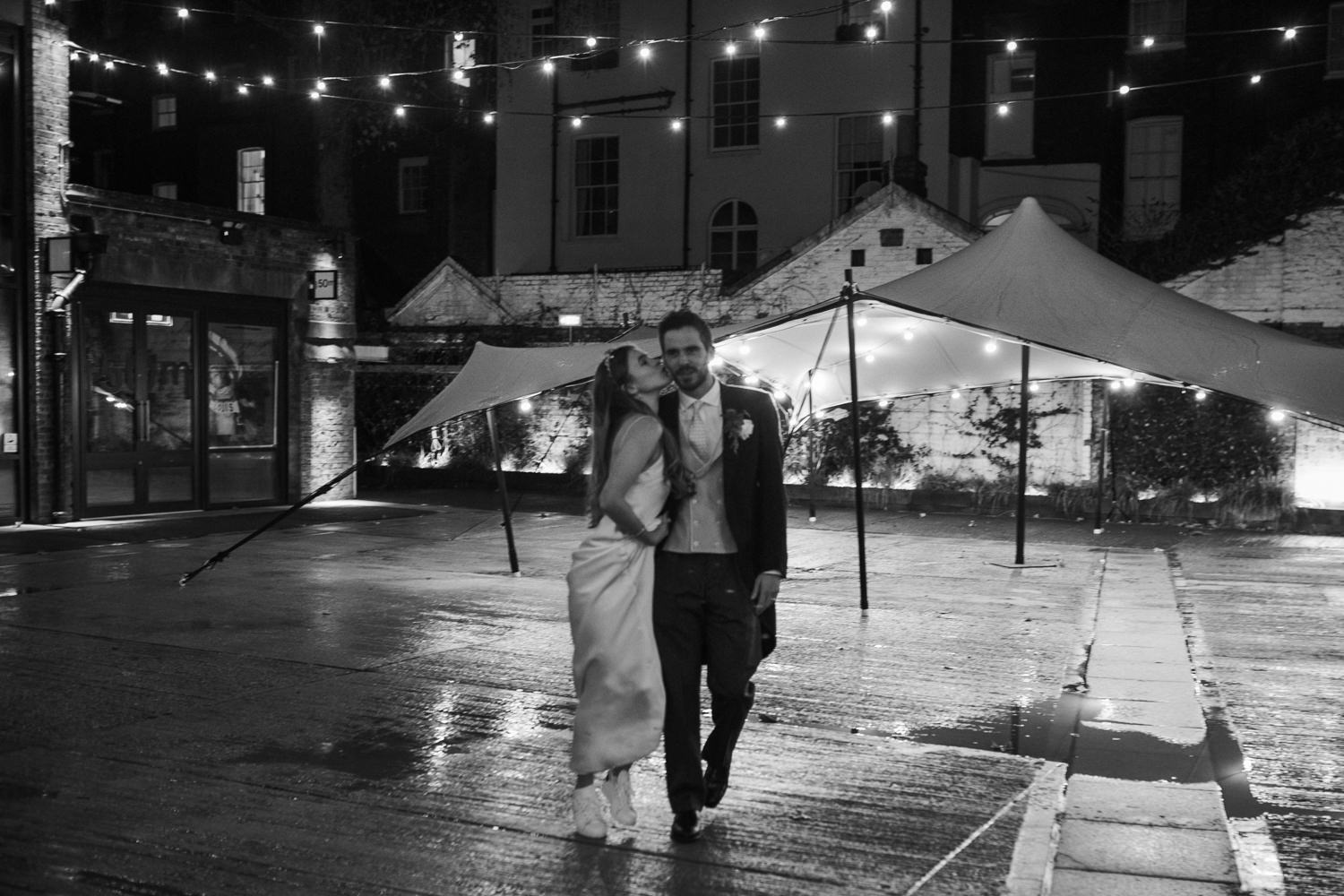 Winter wedding by Cotswolds wedding photographers