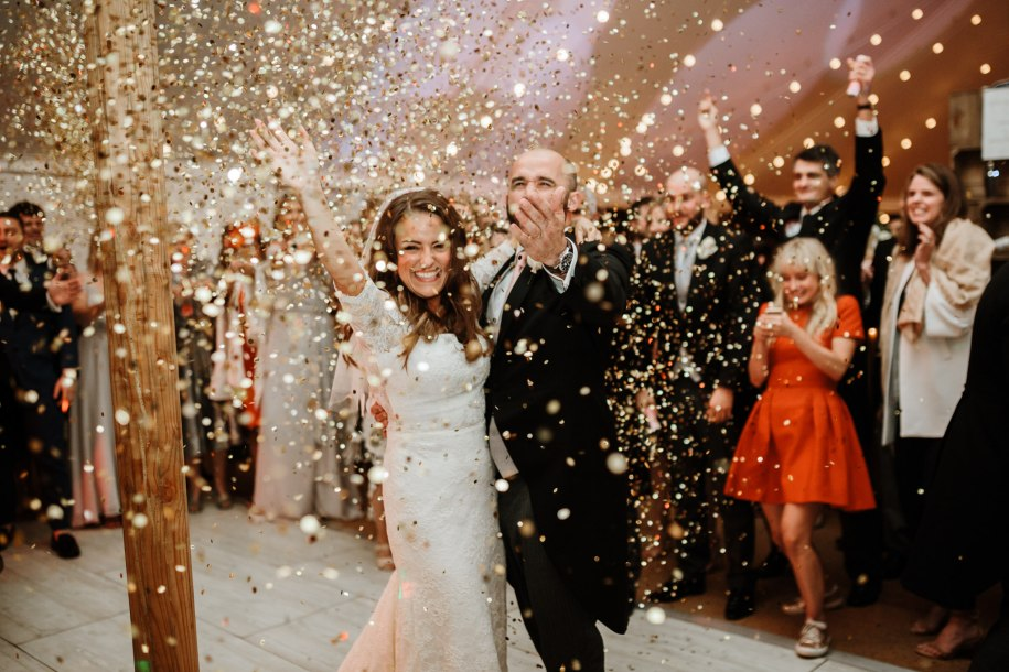 wedding reception ideas with confetti cannons