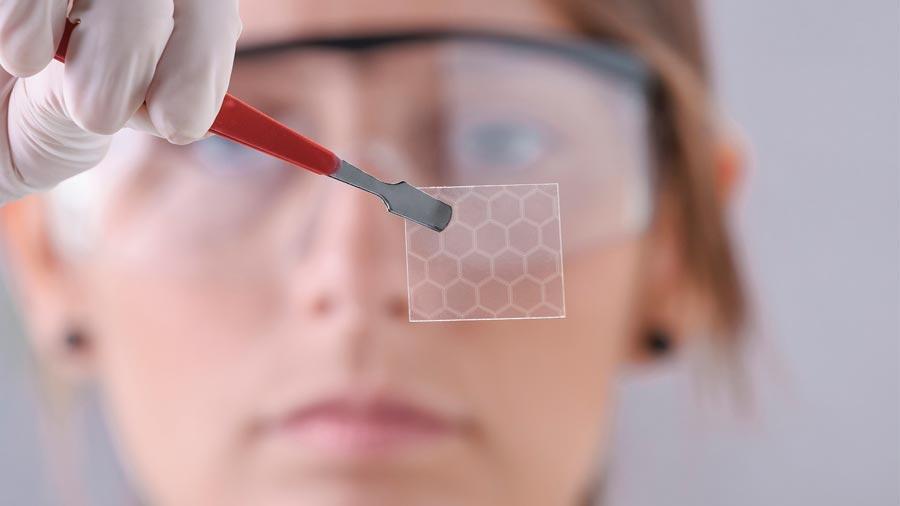 Consiguen despertar la superconductividad del grafeno y los resultados son increíbles