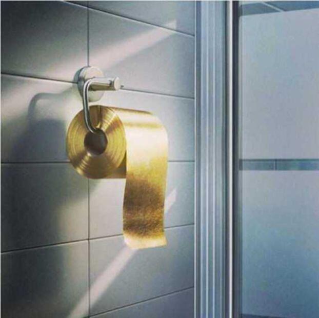 استخدامات غريبة للذهب… أوراق مرحاض وجبنة ذهبية