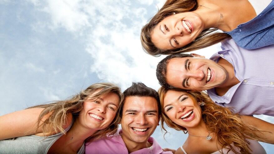 يستخدم الشخص 17 عضلة عندما يبتسم، ويستخدم 43 عندما يعبس
