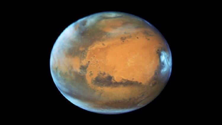 لماذا تختفي أقمار المريخ؟