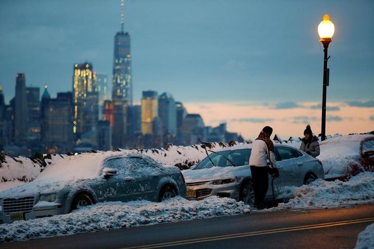 خبراء الأرصاد يتوقعون ربيعا دافئا ماطرا في أمريكا