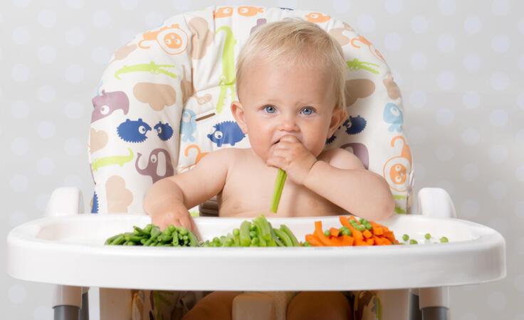 هكذا تحبّبين صغيرك بالخضروات وتحافظين على نظامه الغذائي