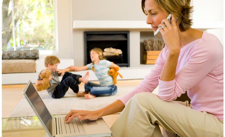 للأم العاملة: لهذه الأسباب لا تشعري بالذنب تجاه أطفالك