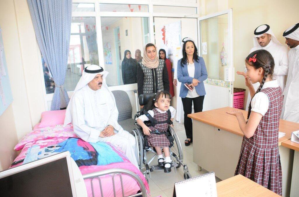 طالبة بحرينية تبتكر جهازاً لتنقية الهواء