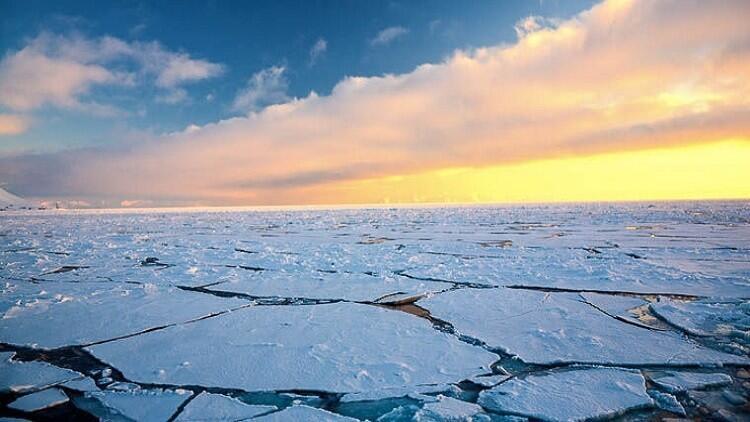ما سبب الارتفاع السريع لحرارة القطب الشمالي؟