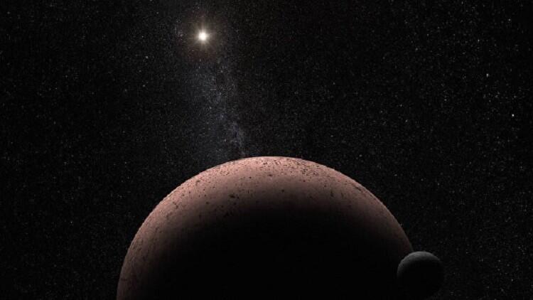"""هابل يرصد قمرا يدور حول """"الكوكب المجهول"""""""